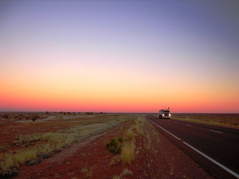 Gdzieś pomiędzy Darwin a Adelaide - foto Stan Guzinski